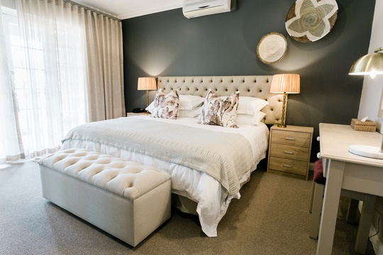 accommodation in luxury hotel in clarens south africa